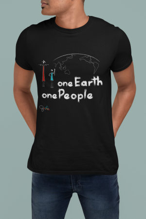 """One Earth One People"" t-shirt nera uomo con scritta bianca"